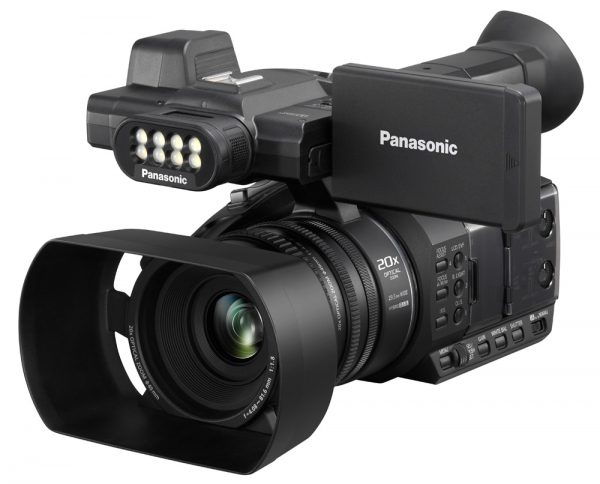 Panasonic HC-PV100 Compact Supports Single-operator Videography-4364