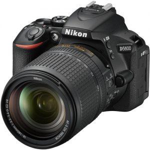 Nikon D5600 + 18-140MM F3.5-5.6G AF-S DX VR LENS / BAG & CARD