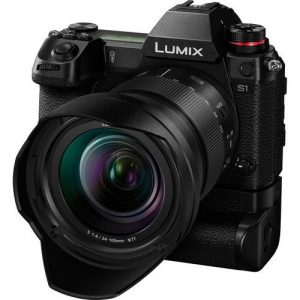 Panasonic LUMIX S1 Full Frame Mirrorless Camera with 24-105mm Lens